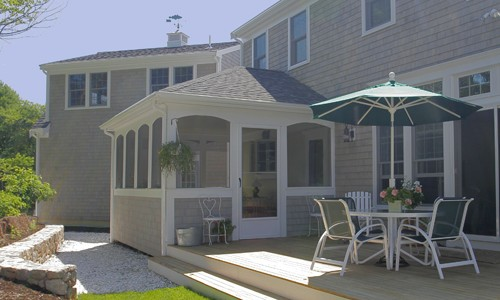 Screened sun room addition by Capewide Enterprises